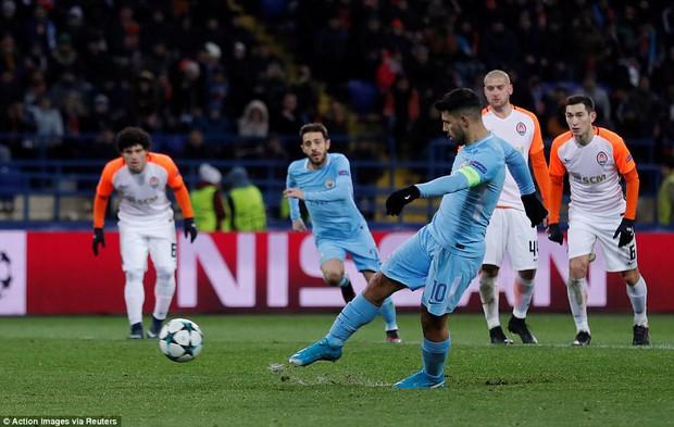 Man City bại trận ở Champions League trước derby thành Manchester - Ảnh 10.