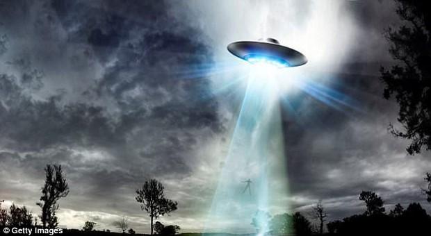 Cựu chuyên gia Lầu Năm Góc tiết lộ: Người ngoài hành tinh đã từng đến Trái đất - Ảnh 4.