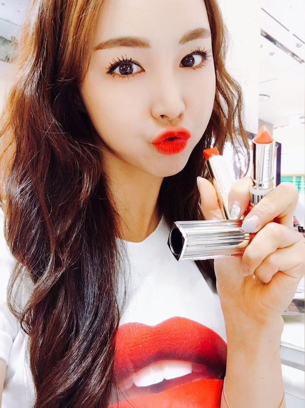 5 thỏi son từ bình dân đến cao cấp được các hot girl Hàn tích cực lăng xê thời gian này mà bạn không thể không biết - Ảnh 27.