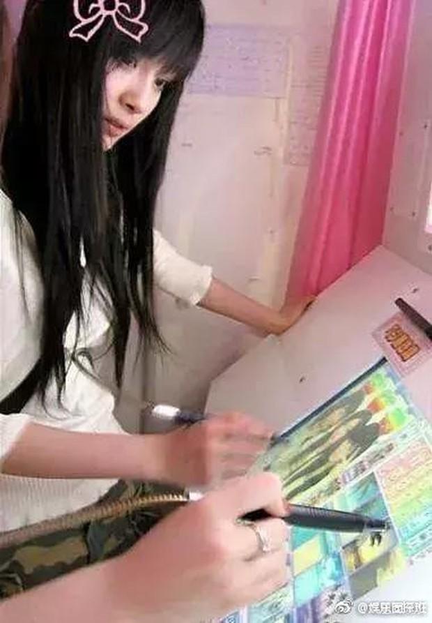 Nhan sắc Dương Mịch thuở còn mốt chụp ảnh sticker những năm 2000 - Ảnh 4.