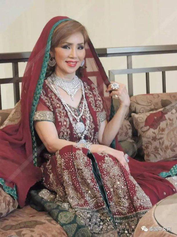 Cô bé Lọ Lem phiên bản già: 60 tuổi vẫn kiếm được chồng đại gia Dubai giàu nứt đố đổ vách - Ảnh 9.