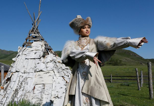 Cùng ngắm thêm 22 bộ váy cưới truyền thống tuyệt đẹp trên toàn thế giới - Ảnh 9.