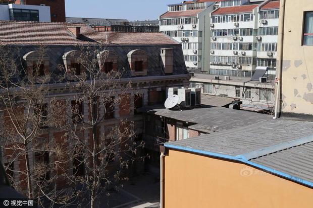 Ngôi nhà ma gây bao nỗi ám ảnh giữa thủ đô Bắc Kinh được cho thuê với giá hơn 33 tỷ đồng/năm - Ảnh 5.