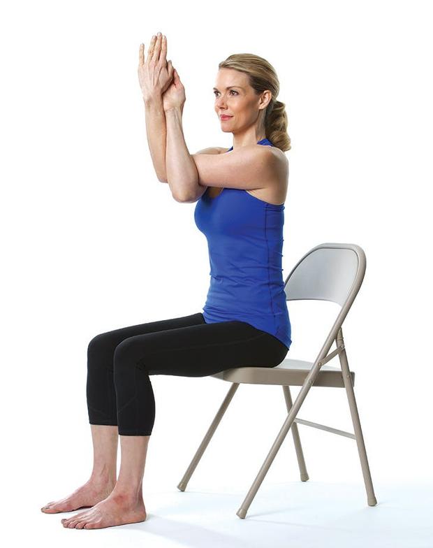 Giảm stress ngay tức khắc với bài tập yoga trên ghế này - Ảnh 5.