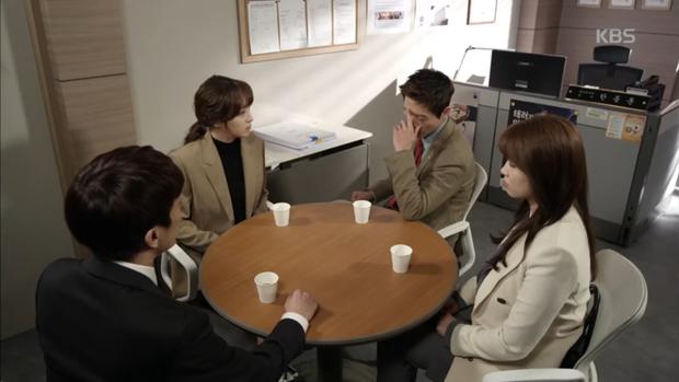 """""""Sếp Kim"""" siêu lầy: Nam Goong Min """"cosplay"""" cảnh catwalk kinh điển của Goblin - Ảnh 10."""