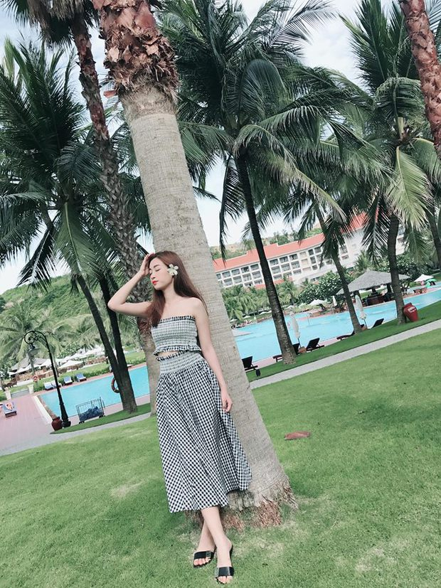 Bộ váy này đang được con gái Việt diện suốt trên Instagram, chứng tỏ gingham là hot trend phá đảo Hè 2017 - Ảnh 5.