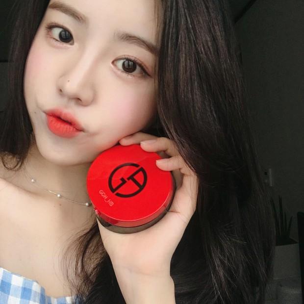 Không phải beauty blogger nhưng 5 hot girl Hàn này vẫn được hội mê làm đẹp săn đón vì makeup cực long lanh - Ảnh 5.