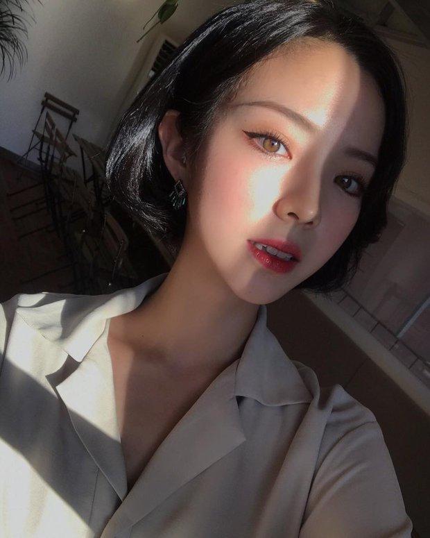 Không phải beauty blogger nhưng 5 hot girl Hàn này vẫn được hội mê làm đẹp săn đón vì makeup cực long lanh - Ảnh 11.