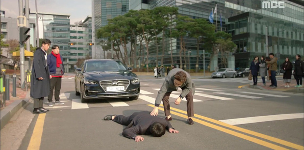 Two Cops: Bị túm tóc đánh ghen, vì đâu mà Hyeri vẫn... cười toe toét? - Ảnh 6.