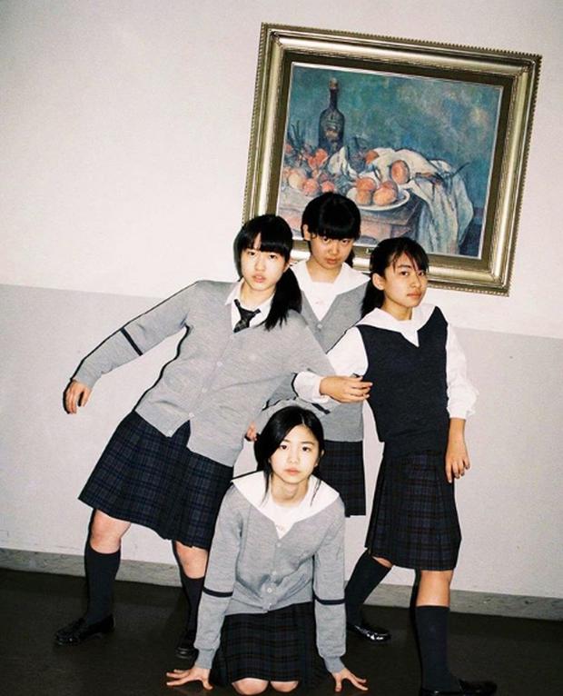Bộ ảnh độc đáo lột tả cuộc sống nữ sinh trung học Nhật Bản những giờ phút bên ngoài giảng đường - Ảnh 17.