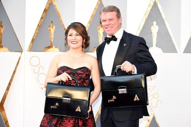 Chỉ có 2 người biết chắc chắn giải thưởng được trao ở Oscar và thủ phạm thực sự của sự sai sót này là... - Ảnh 2.