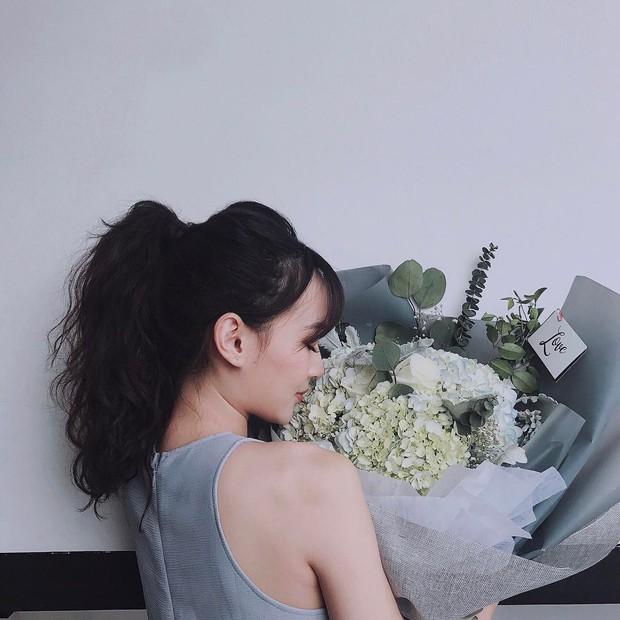 4 cách tạo kiểu vừa nhanh vừa xinh hết ý dành cho các nàng tóc dày - Ảnh 21.