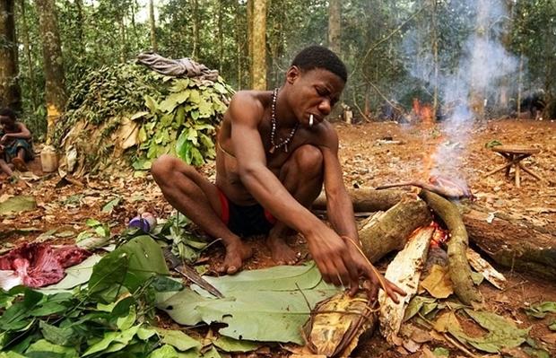 Bên trong bộ lạc gần 50% trẻ em không thể sống quá 5 tuổi ở châu Phi - Ảnh 6.