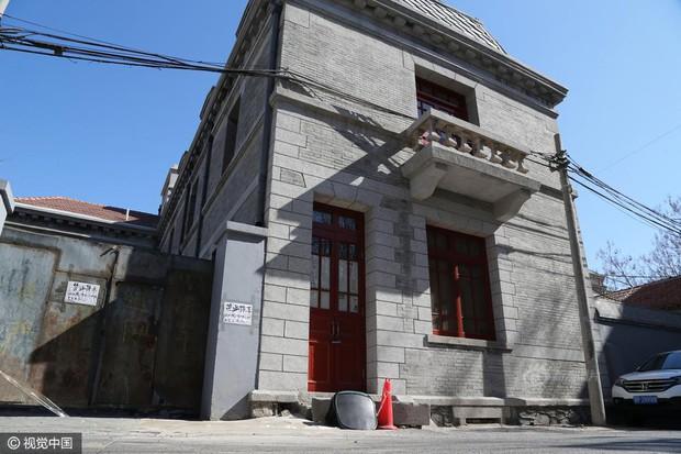 Ngôi nhà ma gây bao nỗi ám ảnh giữa thủ đô Bắc Kinh được cho thuê với giá hơn 33 tỷ đồng/năm - Ảnh 6.