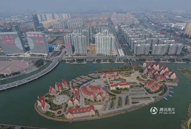 Trung Quốc: Hòn đảo ma toàn dinh thự đắt tiền giữa lòng thành phố Tô Châu - Ảnh 7.