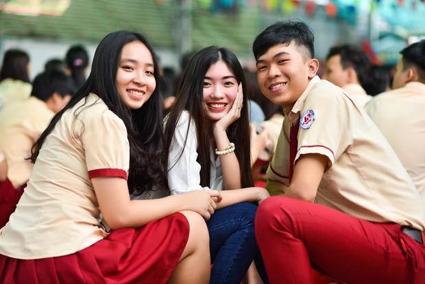 Only C, Miu Lê trở về tuổi thơ trong lễ Khai giảng trường TH-THCS-THPT Mỹ Việt - Ảnh 6.