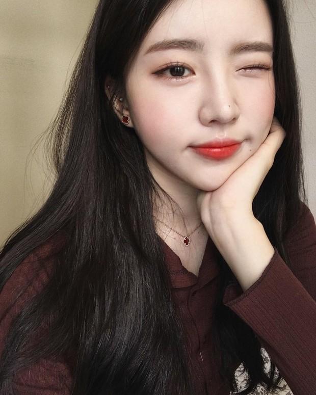 Không phải beauty blogger nhưng 5 hot girl Hàn này vẫn được hội mê làm đẹp săn đón vì makeup cực long lanh - Ảnh 6.