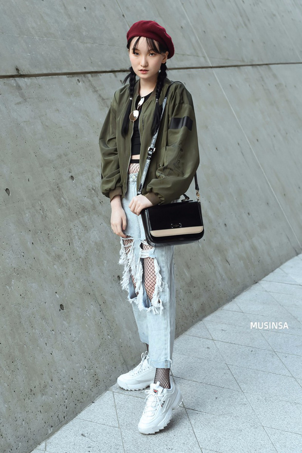 Ngắm street style màu mè nhưng chất lừ của giới trẻ Hàn, bạn sẽ học được chân kinh mặc đơn giản mà vẫn đẹp mê ly - Ảnh 6.