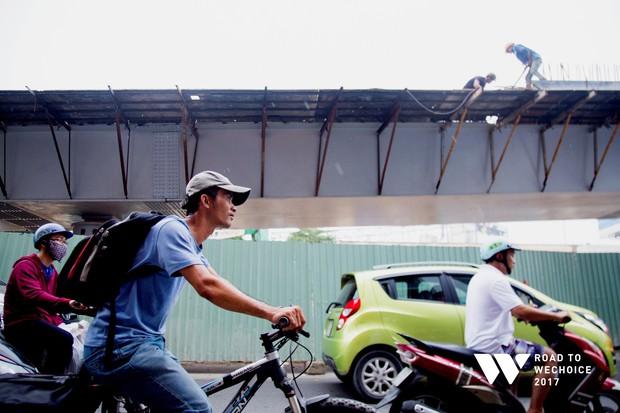 """Chuyện đời """"cũng bình thường thôi"""" của chàng shipper khuyết tật miệt mài đạp xe giao hàng khắp Sài Gòn - Ảnh 7."""