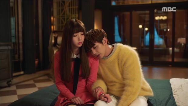 Mặc thân phận sắp bị lộ, robot chủ động cướp nụ hôn đầu của Yoo Seung Ho - Ảnh 7.
