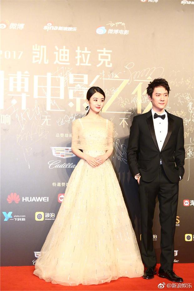 Thảm đỏ Weibo Films Night: Dương Mịch khoe vòng một căng đầy, Mỹ Nhân Ngư Lâm Duẫn sang chảnh đè bẹp đồng nghiệp - Ảnh 11.