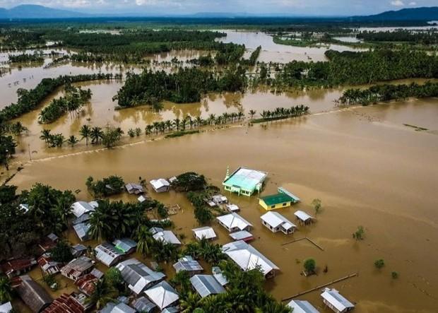 Trước khi đổ bộ vào Việt Nam, bão Tembin khiến hơn 200 người thiệt mạng và khoảng 153 người mất tích tại Philippines - Ảnh 6.