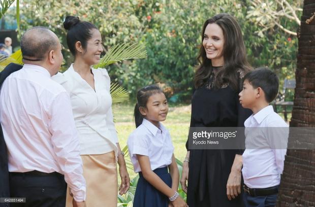 Cuộc hôn nhân Brad Pitt và Angelina Jolie: Ngôn tình đấy nhưng không thiếu chiêu trò để PR tên tuổi - Ảnh 6.