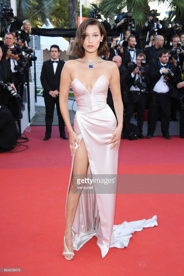 Thảm đỏ LHP Cannes: Phạm Băng Băng lộng lẫy như nữ hoàng, quyết cân dàn mỹ nhân quốc tế - Ảnh 16.