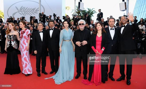 Thảm đỏ LHP Cannes: Phạm Băng Băng lộng lẫy như nữ hoàng, quyết cân dàn mỹ nhân quốc tế - Ảnh 8.