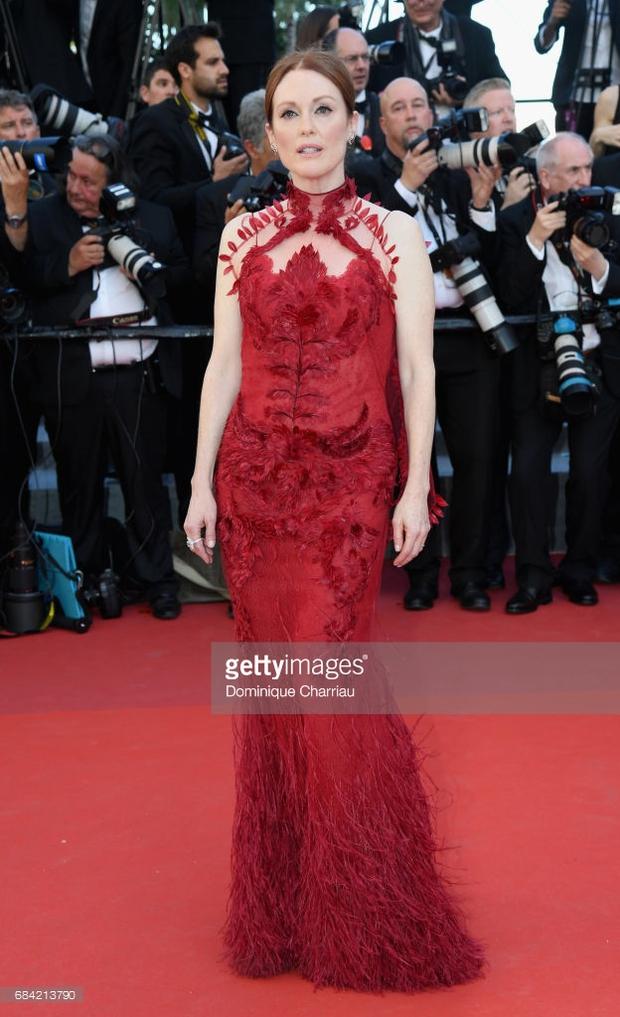Thảm đỏ LHP Cannes: Phạm Băng Băng lộng lẫy như nữ hoàng, quyết cân dàn mỹ nhân quốc tế - Ảnh 27.