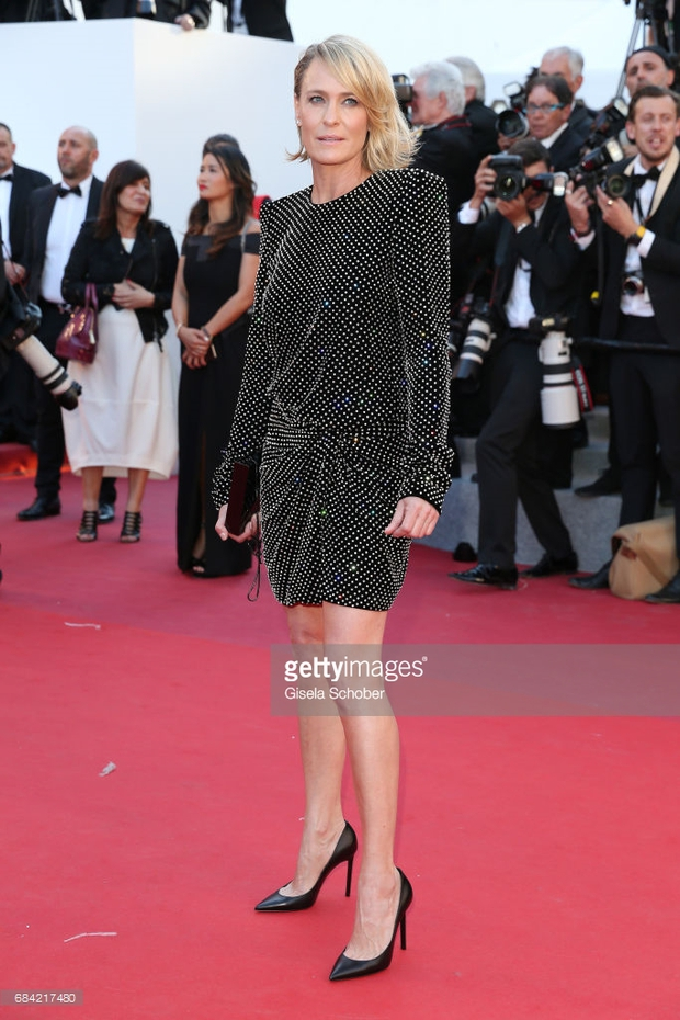 Thảm đỏ LHP Cannes: Phạm Băng Băng lộng lẫy như nữ hoàng, quyết cân dàn mỹ nhân quốc tế - Ảnh 29.
