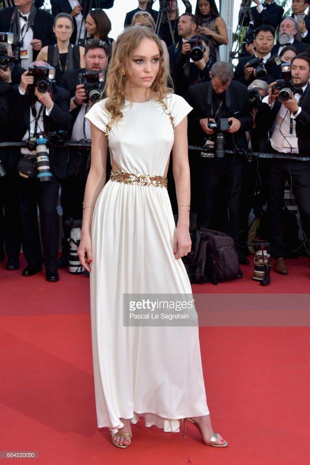 Thảm đỏ LHP Cannes: Phạm Băng Băng lộng lẫy như nữ hoàng, quyết cân dàn mỹ nhân quốc tế - Ảnh 25.