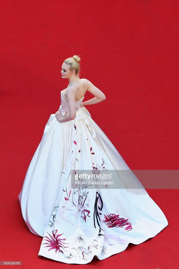 Thảm đỏ LHP Cannes: Phạm Băng Băng lộng lẫy như nữ hoàng, quyết cân dàn mỹ nhân quốc tế - Ảnh 20.