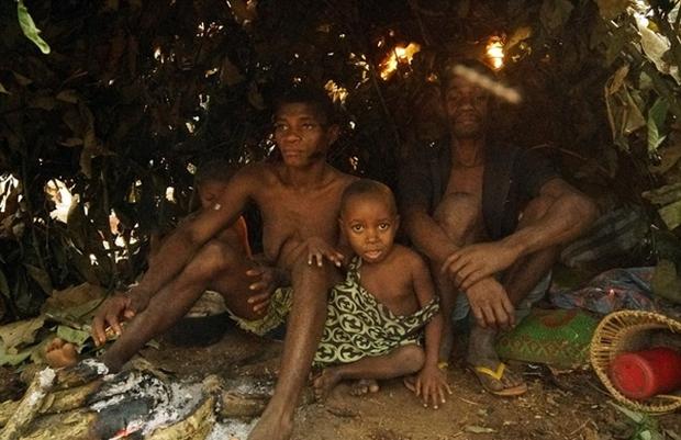 Bên trong bộ lạc gần 50% trẻ em không thể sống quá 5 tuổi ở châu Phi - Ảnh 7.