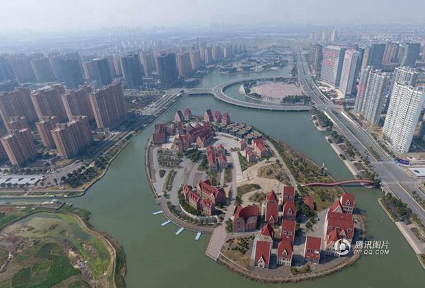 Trung Quốc: Hòn đảo ma toàn dinh thự đắt tiền giữa lòng thành phố Tô Châu - Ảnh 8.