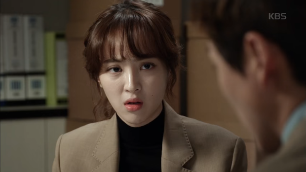 """""""Sếp Kim"""" siêu lầy: Nam Goong Min """"cosplay"""" cảnh catwalk kinh điển của Goblin - Ảnh 12."""