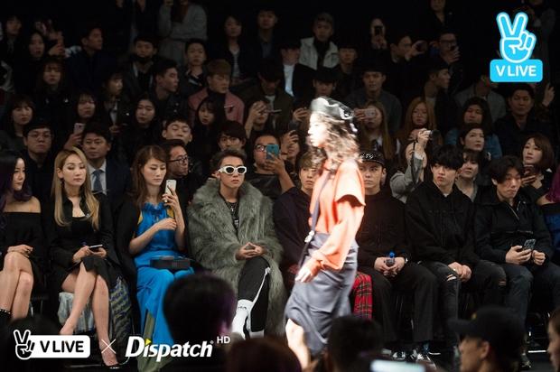 Seoul Fashion Week: Sơn Tùng M-TP khoác áo lông dài ngoài đồ thể thao, đeo kính râm xuất hiện cực ngầu - Ảnh 9.