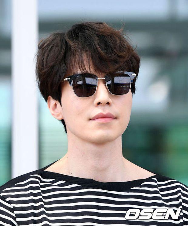 Có ai như Lee Dong Wook và Yoo In Na: Tình cờ gặp gỡ và biến sân bay thành sàn catwalk - Ảnh 13.