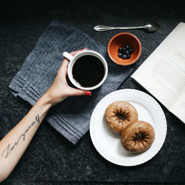 5 sai lầm nhiều người mắc phải vào buổi sáng khiến quá trình trao đổi chất xấu đi rất nhiều - Ảnh 2.