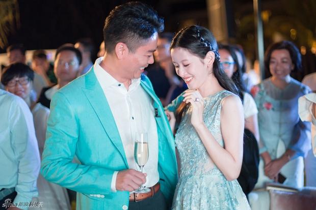 Sau khi kết hôn, cô bé trà sữa trở thành nữ tỷ phú trẻ tuổi nhất Trung Quốc - Ảnh 6.