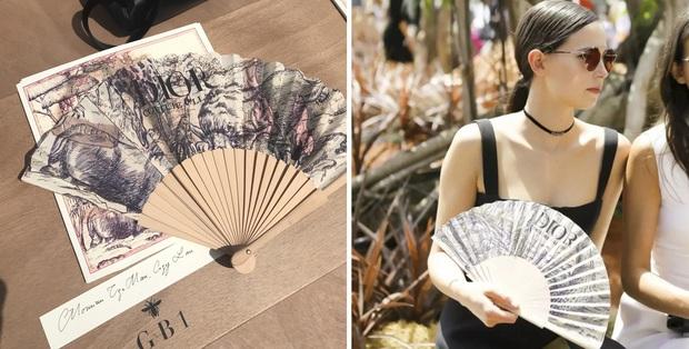 Có ai ngờ quạt giấy mà các cụ vẫn dùng nay lại là phụ kiện thời trang sang chảnh nhất hè này - Ảnh 7.