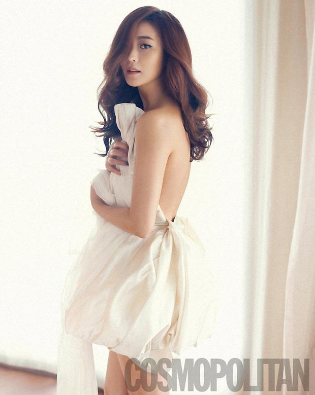 Tranh cãi việc Kim Hee Sun tự nhận mình đẹp hơn cả Kim Tae Hee và Jeon Ji Hyun - Ảnh 13.