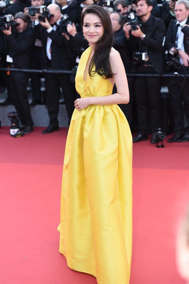 Phạm Băng Băng gây thất vọng, bị Elle Fanning dìm hàng toàn tập tại Cannes! - Ảnh 17.