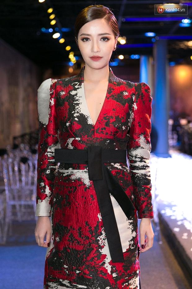Bích Phương dồn hết kinh phí làm MV, lột xác với hình ảnh cô gái dân tộc Dao - Ảnh 3.