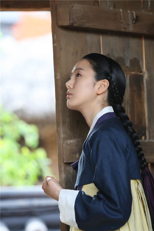 Khi nam chính phim Hàn còn… xinh gấp vạn lần nữ chính! - Ảnh 20.