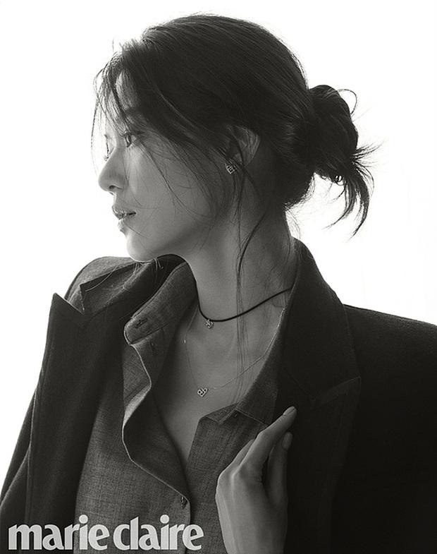 2 bà hoàng Lee Young Ae và Jeon Ji Hyun đụng độ: Quá mãn nhãn và không chỉ còn là đọ nhan sắc - Ảnh 6.
