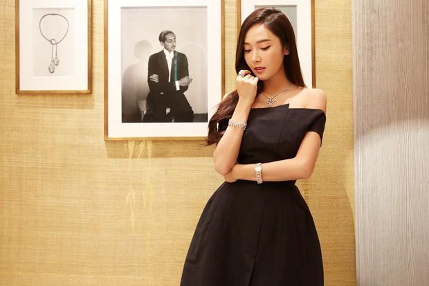 Trở lại thời kỳ đỉnh cao nhan sắc, Jessica Jung đẹp dịu dàng không tì vết - Ảnh 10.