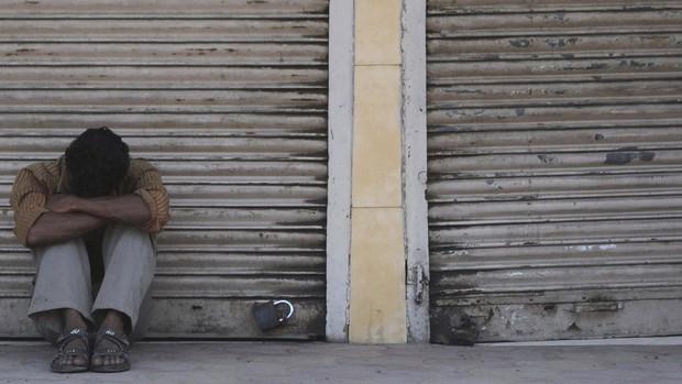 Những chàng rể nô lệ tại Hong Kong: Kiếp làm chồng hay kẻ tôi đầy cấp thấp? - Ảnh 1.