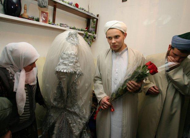 Cùng ngắm thêm 22 bộ váy cưới truyền thống tuyệt đẹp trên toàn thế giới - Ảnh 15.