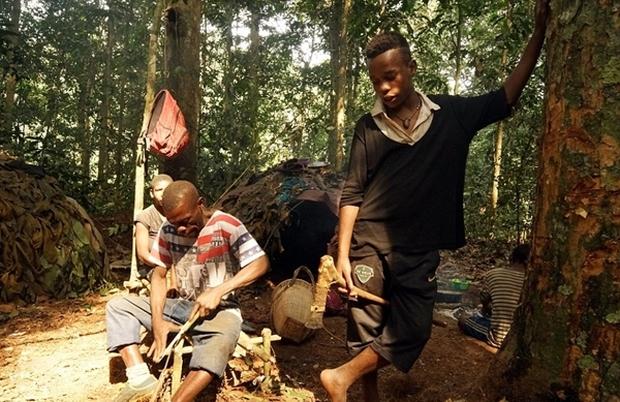 Bên trong bộ lạc gần 50% trẻ em không thể sống quá 5 tuổi ở châu Phi - Ảnh 8.
